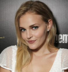 Madeline Brewer 2015[2] copy 2